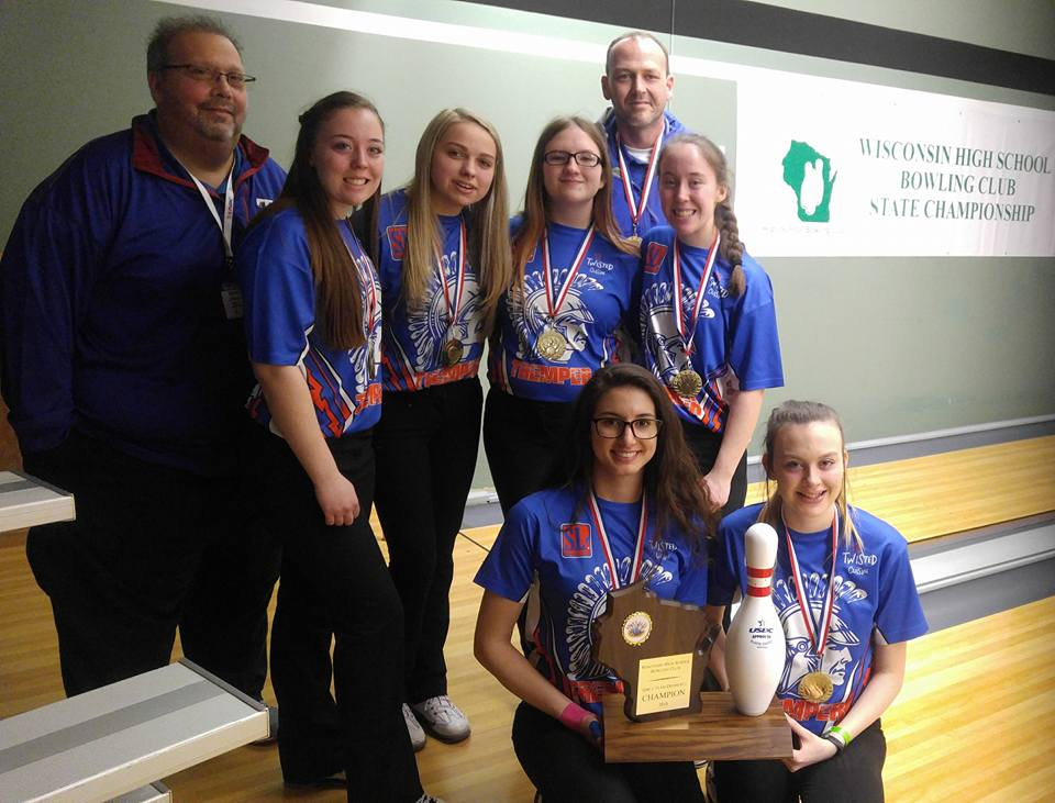 2018 Wisconsin High School Bowling State Championships Division 1 girls champion Kenosha Tremper. Photo by Bowling Centers Association of Wisconsin.